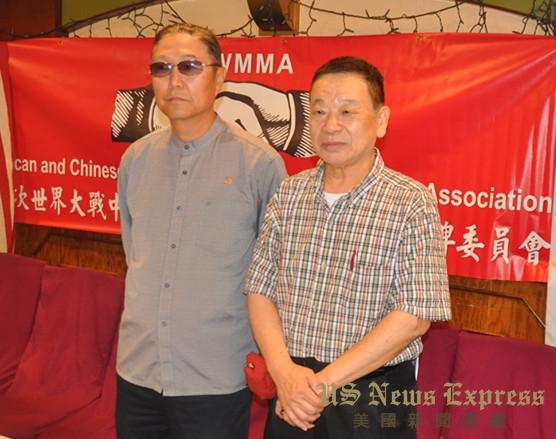 丛培欣(左)和王胜生(右)接受媒体采访 孙卫赤摄