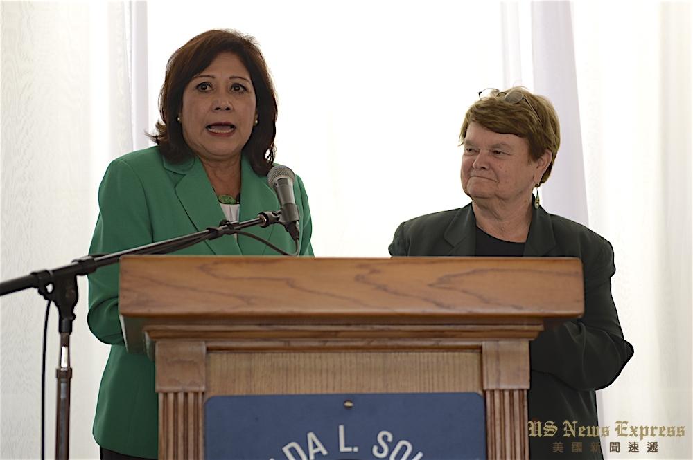 苏莉丝(左)也感谢库尔(右)对此提案的大力支持。庞可阳摄