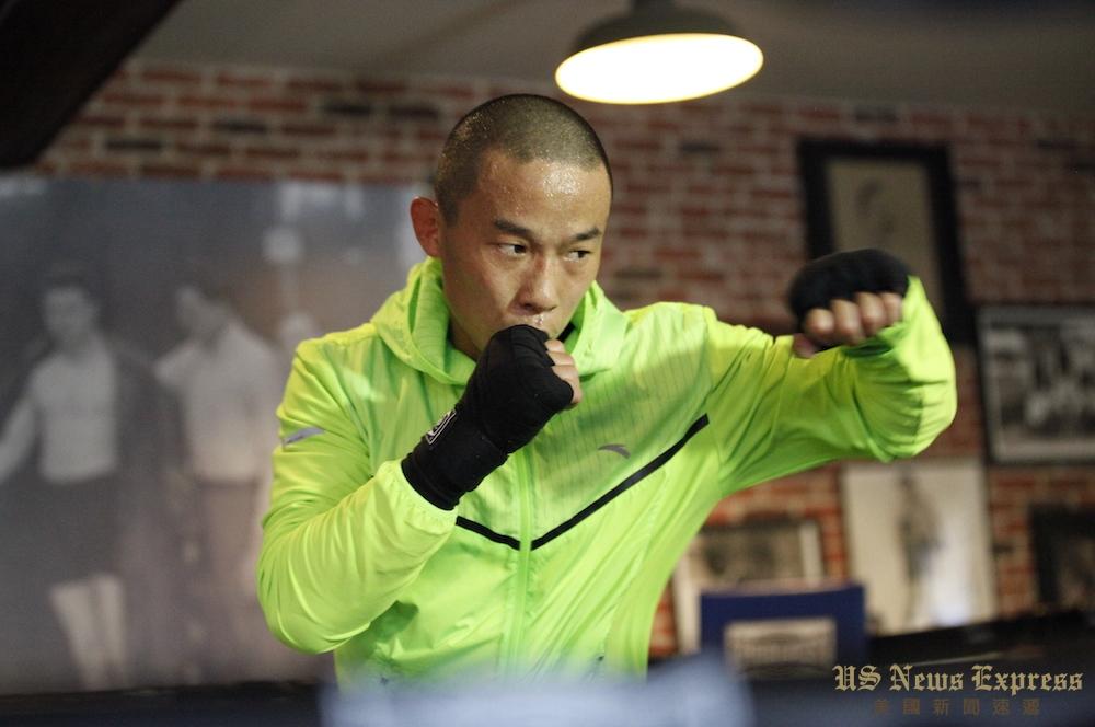 31岁的杨连慧登上拉斯维加斯世界拳坛中心。庞可阳摄