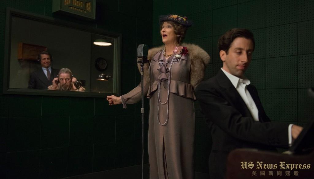 斯特里普在电影《跑调天后》中塑造了一名糟糕的歌剧歌手形象。美国电影艺术与科学学院提供
